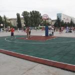 Резиновая плитка на временной спортивной площадке