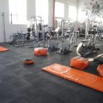 Резиновая плитка в спортивном помещении