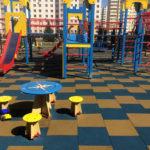 Обустройство травмобезопасного покрытия на детской площадке