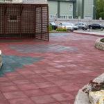 Резиновая плитка на площадке