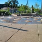 Резиновая плитка у фонтана