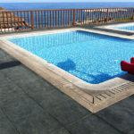 Резиновая плитка у бассейна