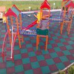 Детский городок с травмобезопасным покрытием из резиновой плитки