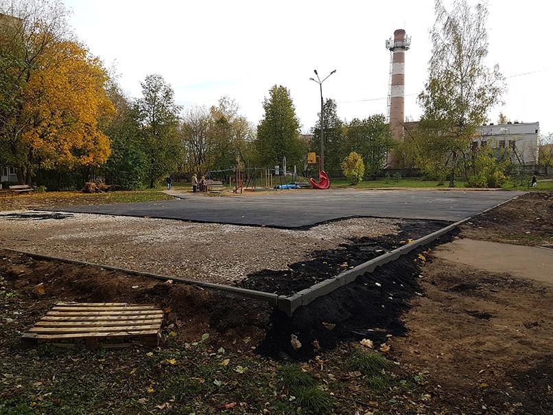 Строительство твердого основания детской площадки
