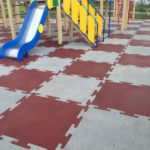 Плитка Rubblex Puzzle на игровой площадке