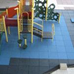 Резиновая плитка и игровой комплекс