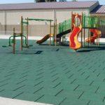 Резиновая плитка и детский комплекс