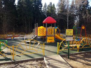 Детская площадка с бесшовным покрытием