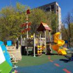 Детское игровое оборудование с травмобезопасным цветным покрытием