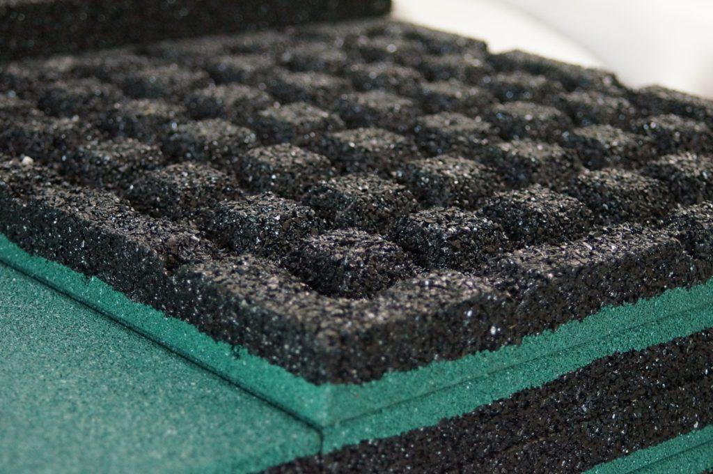 Протектор резиновой плитки 500х500х40 для песка