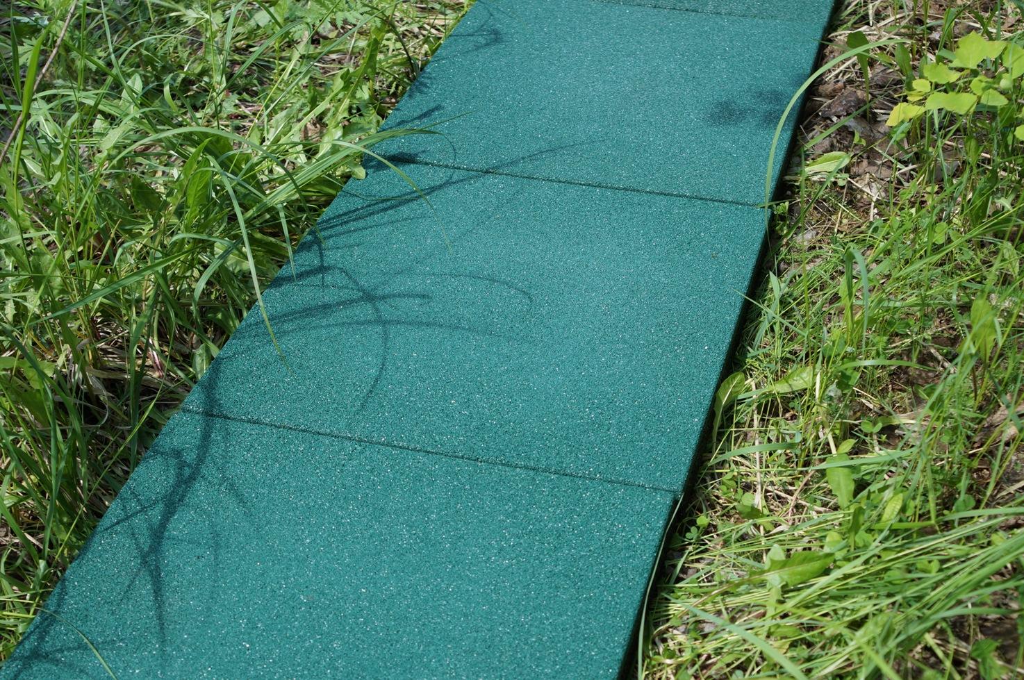 Резиновая плитка 500х500х40 на грунте