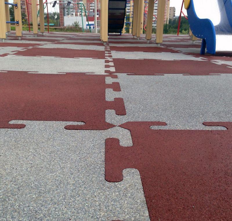 Резиновая плитка RUBBLEX Puzzle на детской площадке
