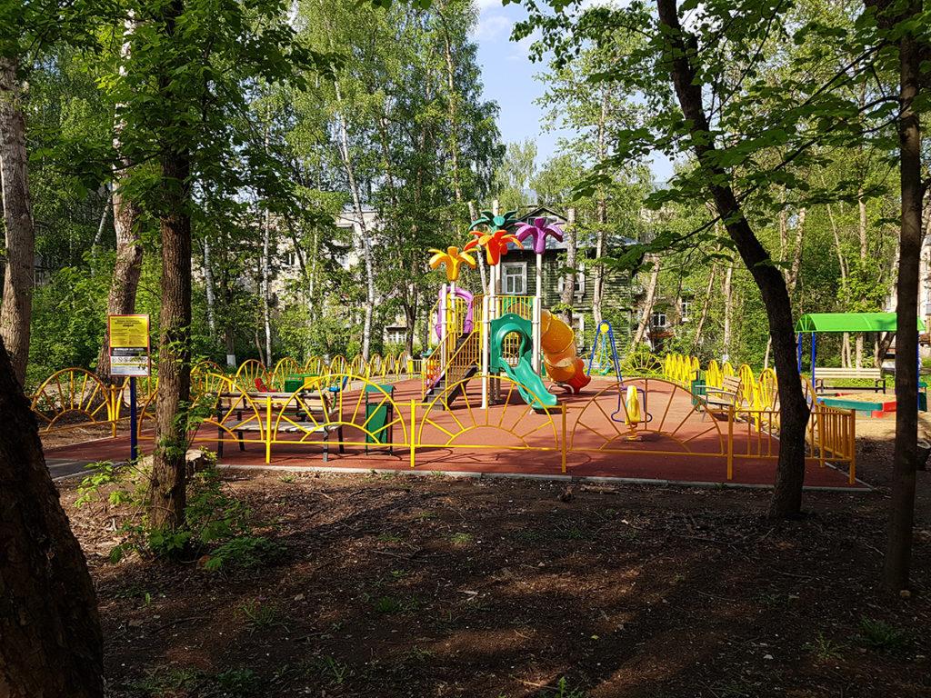 Новая детская площадка в Подмосковье