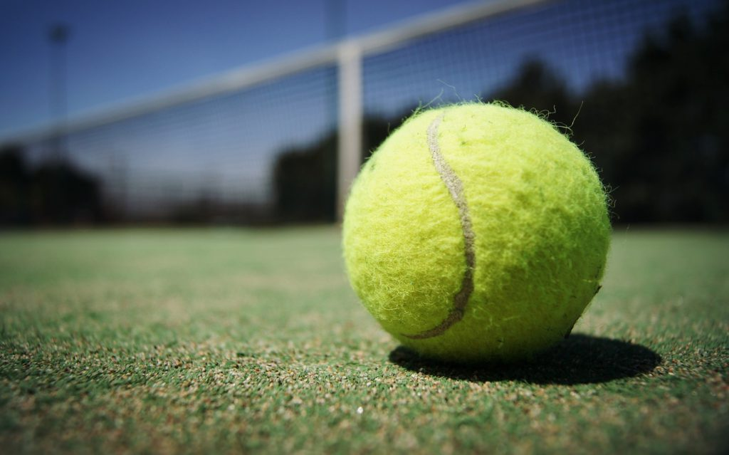 Теннисный мячик