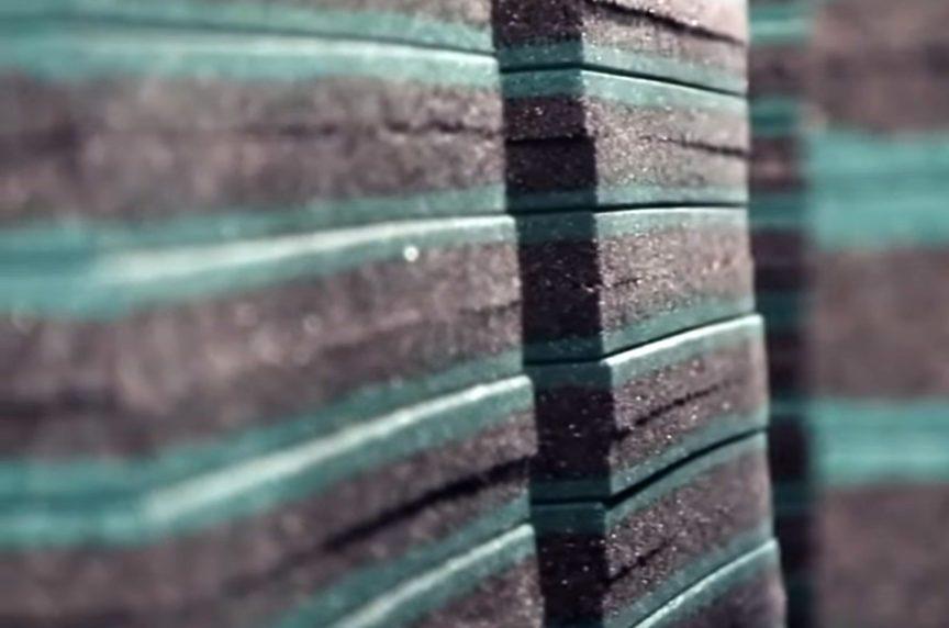 Стопка резиновой плитки