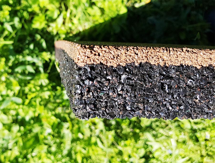 Двухслойная резиновая плитка коричневого цвета