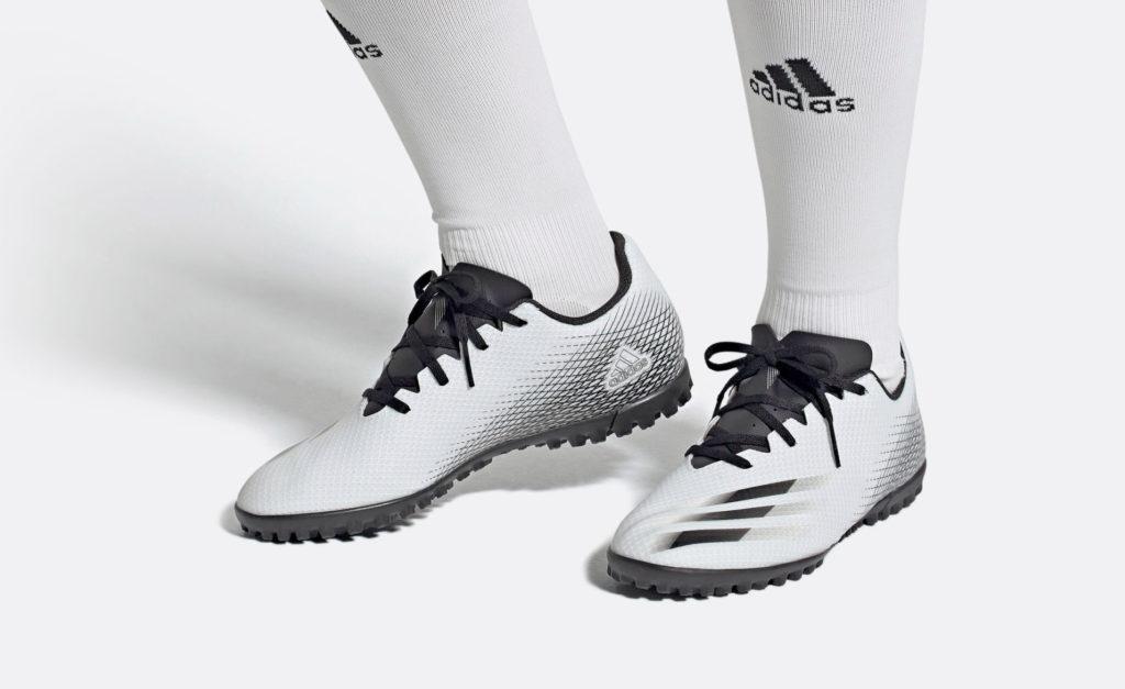 Спортивная обувь для игр на искусственном поле, асфальте