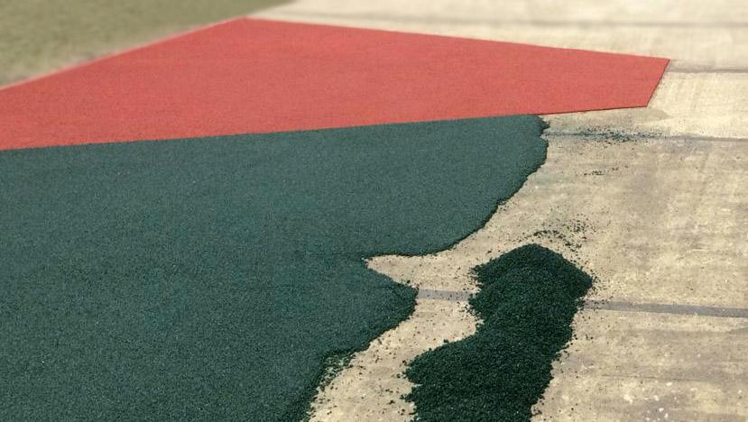 Обустройство бесшовного покрытия детской площадки на бетоне