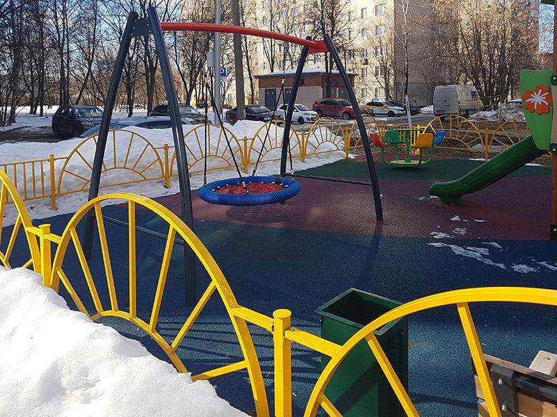 Зимняя эксплуатация детских площадок