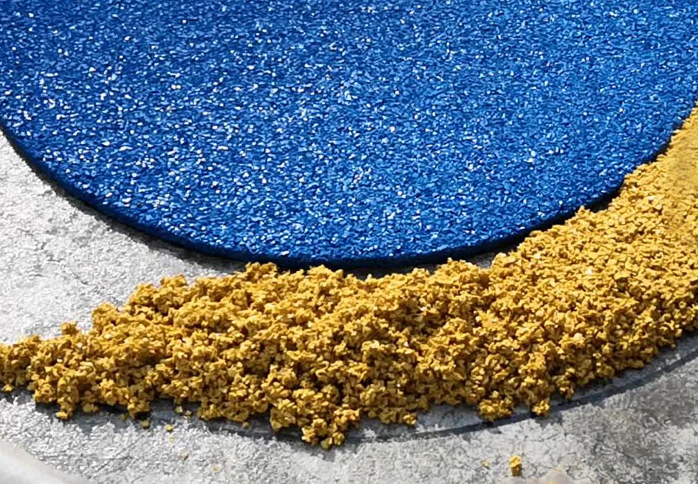 Стыковка цветных покрытий из резиновой крошки